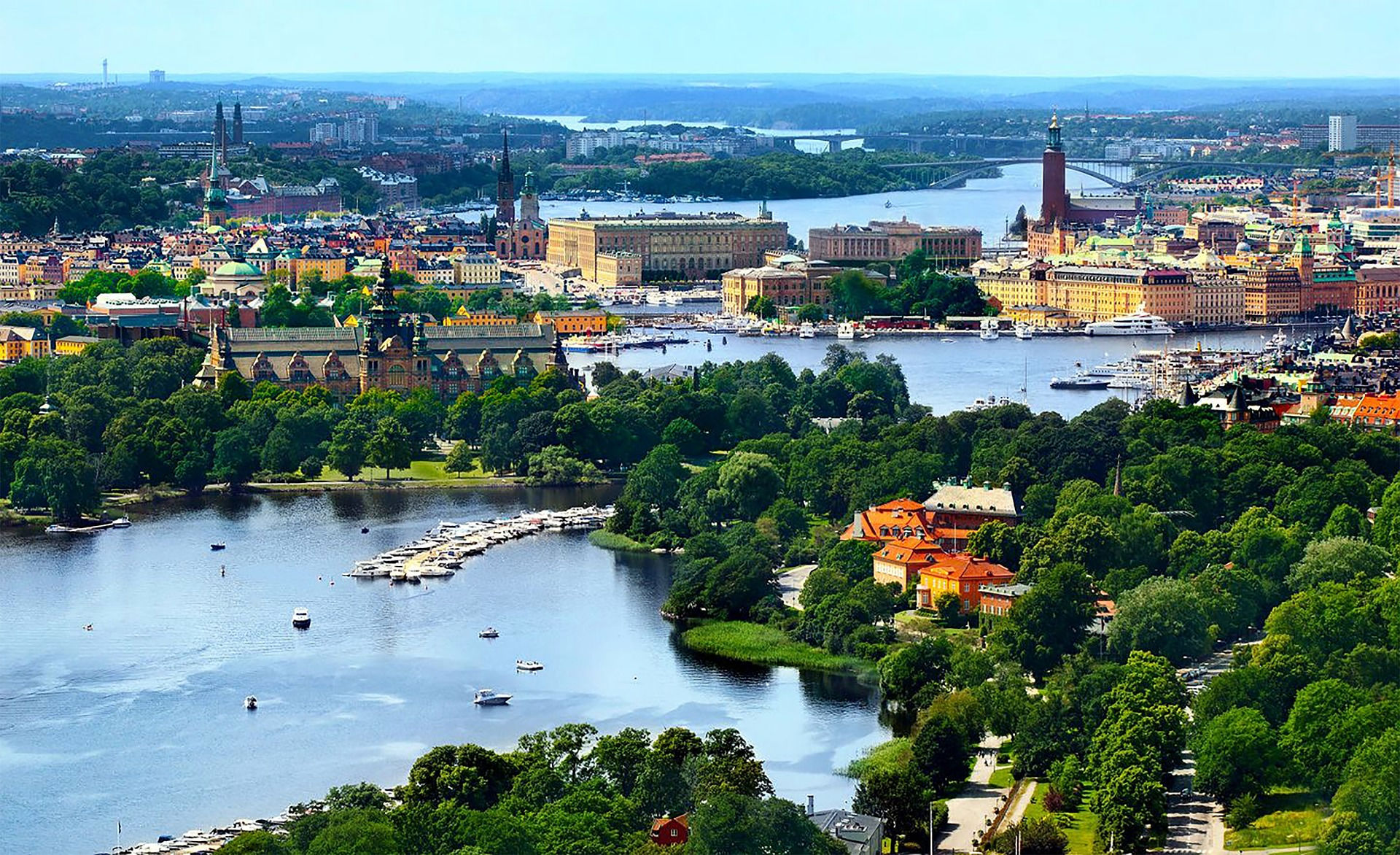 Aerial view of Stockholm. You see neighborhoods such as the Royal Djurgården, the Old Town, Kungsholmen and Södermalm.